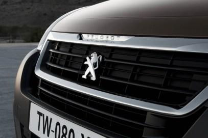 2015_Peugeot-Partner_13