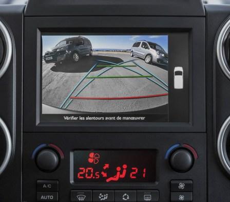 2015_Peugeot-Partner_17