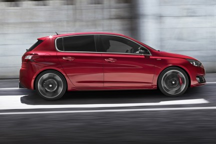 Peugeot_308_GTI_2015_b1352-1200-800