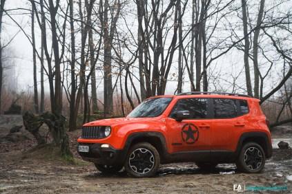 essai-jeep-cherokee-renegade-trailhawk-2016-18