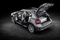 Mercedes-Benz GLA 2017 - 36