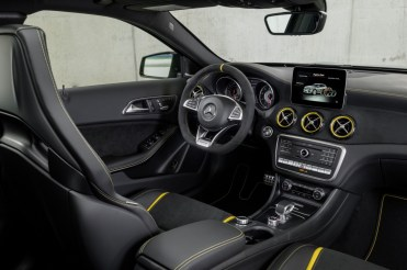Mercedes-Benz GLA45 4Matic Yellow Night Edition 2017 - 10