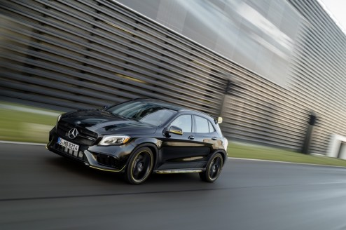 Mercedes-Benz GLA45 4Matic Yellow Night Edition 2017 - 14