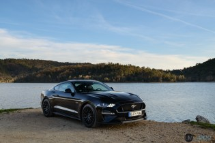 FORD Mustang 2018-047