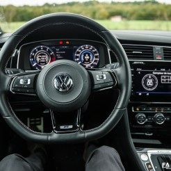Intérieur Volkswagen Golf R 310