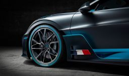 Bugatti Divo - 18