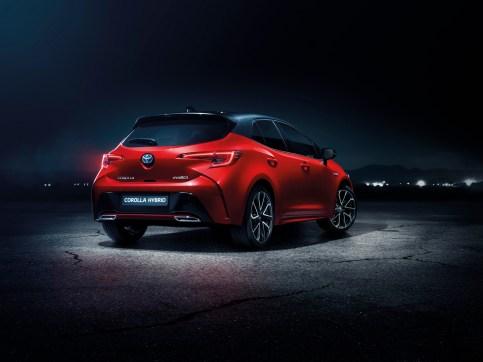 2019corolla-hatchback-2