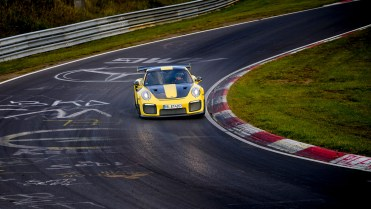 975060_911_gt2_rs_world_record_nuerburgring_2017_porsche_ag