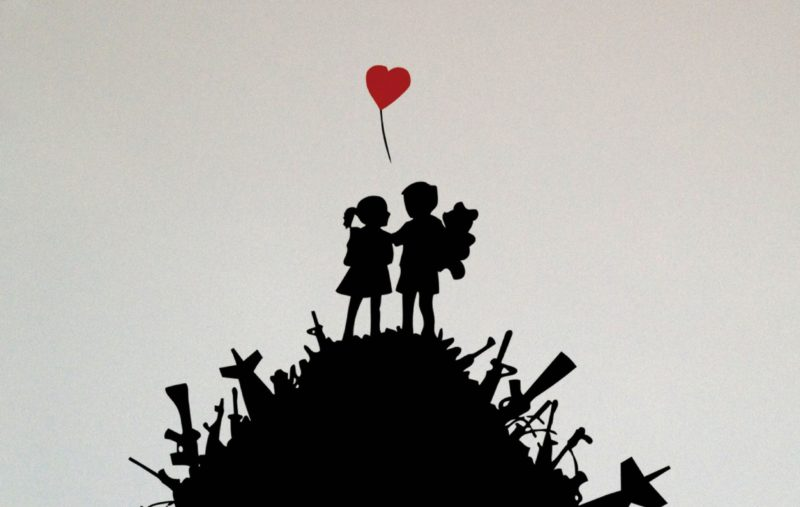 banksy_love_not_war_1