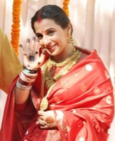 Mumbai: Bollywood actress Vidya Balan at her wedding ceremony in Bandra, Mumbai on Friday. PTI Photo (PTI12_14_2012_000151A)