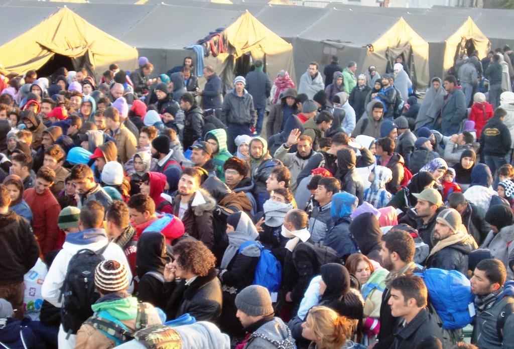 Blick ins Lager: Menschen, die Hilfe brauchen (Foto: Beate Kirchner)