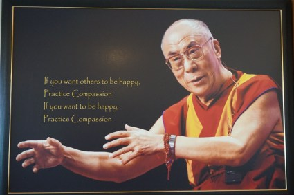 Möchtest du dass andere Glücklich sind übe dich in Mitgefühl möchtest du Glücklich sein übe Mitgefühl