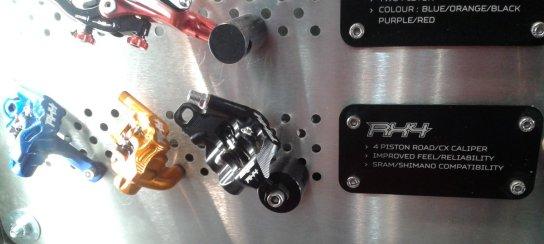 Hope neue RX4 Bremse mit vier Kolben für den Roadeinsatz