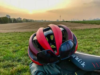 Egal ob Rennradrunde, Graveltour oder auf dem Weg zur Arbeit. Der Aether macht immer eine gute Figur.