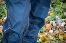 Die MT500 Regenhose ist keine gewöhnliche Regenhose. Sie ist nur wasserdicht, sondern auch atmungsaktiv und lässt die sonst übliche Plastik-Optik komplett vermissen.