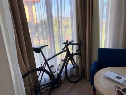 Im Hotel ist das Rad dann wirklich schnell wieder aufgebaut und fahrbereit.