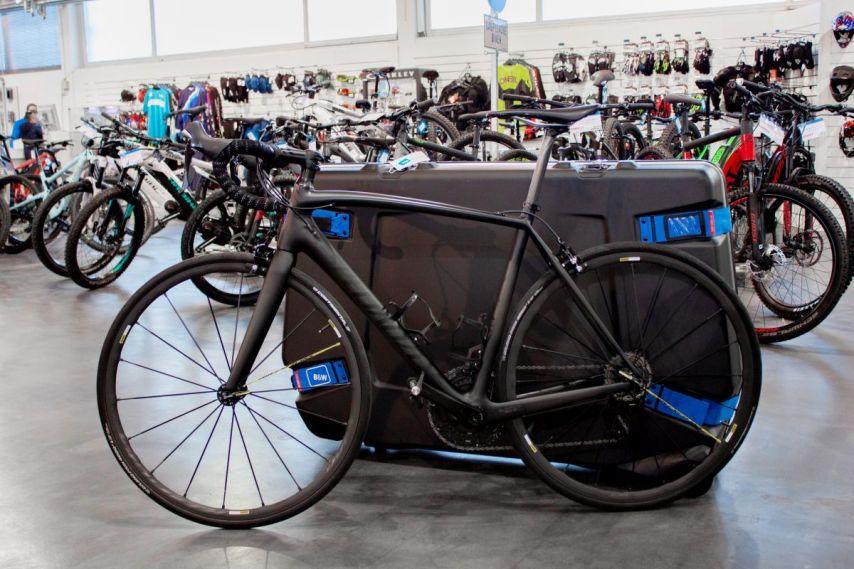 Mein Fahrrad und der B&W Koffer im Größenvergleich