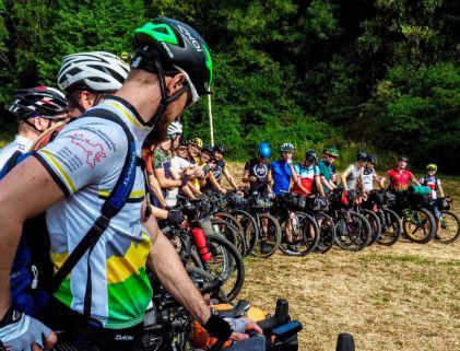 Offiziel ist die Veranstaltung kein Rennen, wird aber aufgrund der Dynamik des Massenstarts öfters als solches betitelt. © Fotograf: Ryan Davis