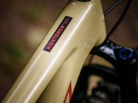 Carbon made in USA - Santa Cruz entwickelt und fertigt seine Bikes in der eigenen Fabrik in den USA.