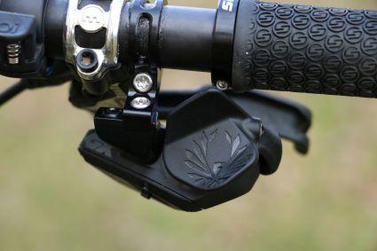 Der Trigger der GX Eagle AXS ist filigran und elegant designt.