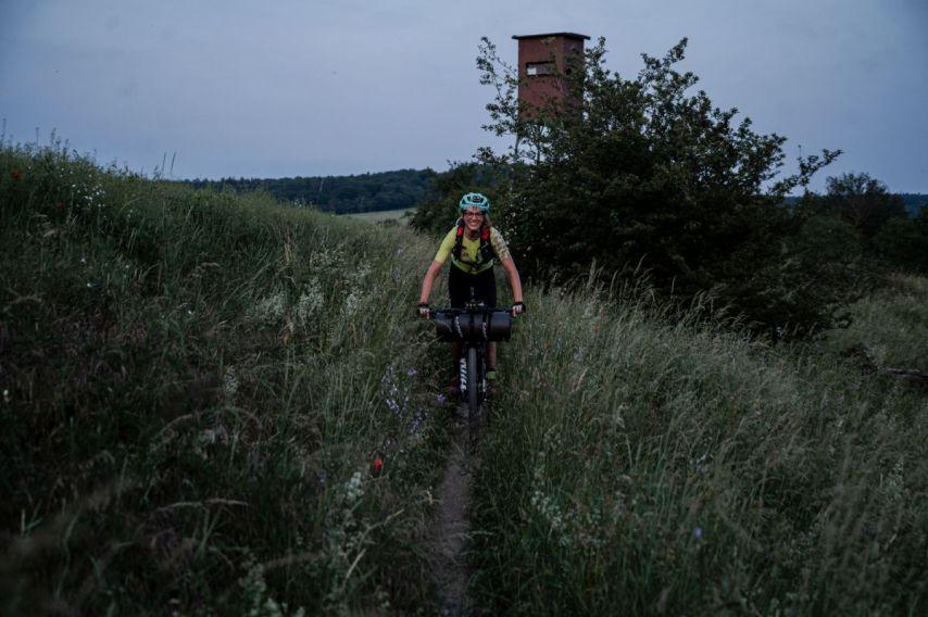 ...und wunderschönen Wiesenlandschaften. - Foto by Nils Laenger