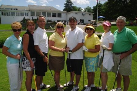 Elizabeth Bossidy-Tobin, Karen O'Connell, Joe Maturo, Christine Higgins, Dan Vaughan, Christine Griffin, Katherine Klarman, and Victor Couture of Golf Tournament Platinum Sponsor Anthem Blue Cross and Blue Shield of Connecticut.