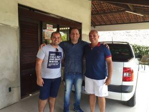 Eduardo ao lado dos vereadores Wellington Campos e Adênio Pimentel