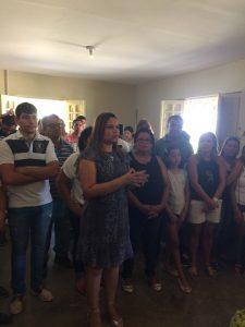 Prefeita Elissandra Brito(DEM) , destacando as qualidades e dando as felicitações ao amigo Celso
