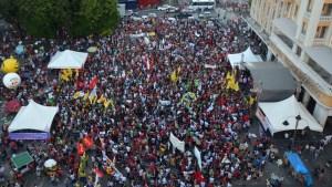 Manifestação em João Pessoa aconteceu no Ponto de Cem Réis (Foto: Krystine Carneiro)