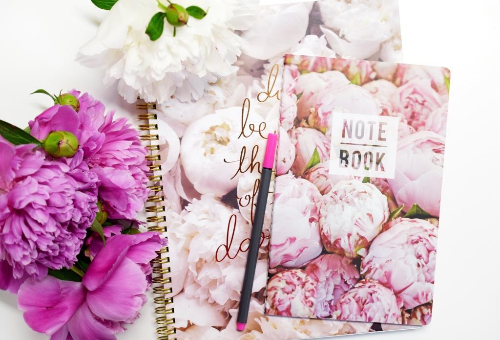 Saisir l'inspiration dans un carnet de notes