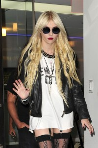 taylor-momsen-and-doma-moto-jacket-gallery