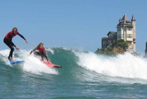 surfistas-em-biarritz