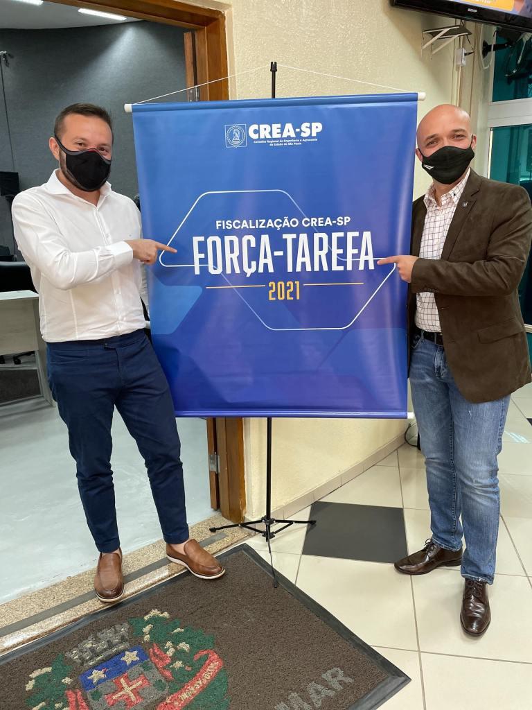 Eduardo Cavalcanti e Joni Matos Inchenglu (Diretor Administrativo do CREA-SP) em Abertura de Força-Tarefa do CREA-SP