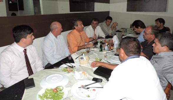 Deputado José Adécio reunido com vereadores de Pedro Avelino