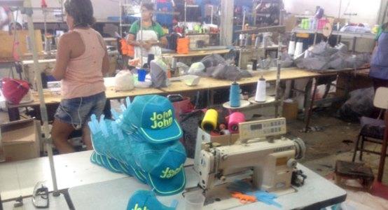Nos locais eram produzidos e comercializados produtos falsificados(foto:Degepol)