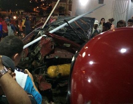 Explosão provocou muitos estragos e quase danos de maior proporções (foto:Èdipo Natan)