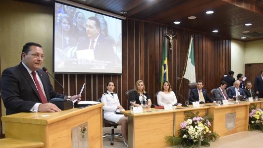 Sessão solene em homagem ao Dia do Administrador