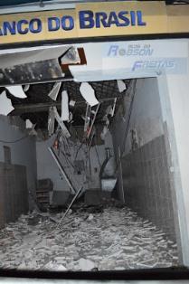 Terminal parcialmente destruído pela explosão(foto:o paralelo)