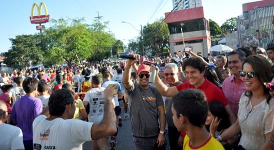Governador participada da Corrida do Fogo (foto: Vivan Galvão)