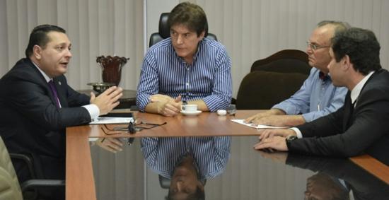 Deputado Ezequiel com o Governador Robinson, o presidente da Caern e o prefeito de Currais Novos