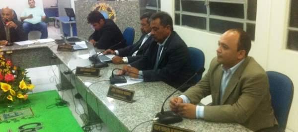 Messias Araújo faz exposição na Câmara Municipal de Lajes
