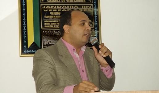 Radialista e publicitário Messias Araújo na Câmara Municipal de Jandaíra