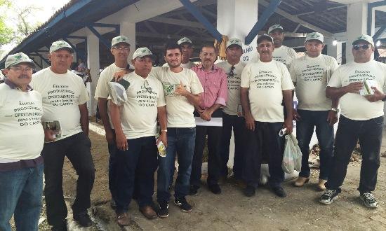 Prefeito Marquinhos e a delegação de agricultores na Festa do Boi 2015