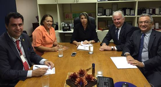 Senadora Fátima com o prefeito Maurício Marques e equipe