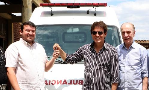 Governador Robinson e Secretário de Saúde Lagreca visitam Hospital Regional e entregam ambulância