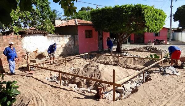 Iniciadas as obras de construção de nova praça