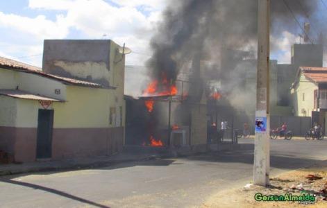 Princípio de incêndio em restaurante na cidade de Guamaré