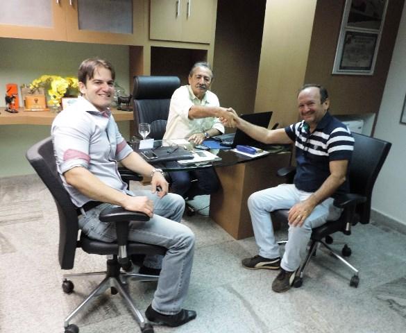 Deputado José Adécio com o prefeito eleito em Touros Assis do hospital e o jovem líder Higor Andrade