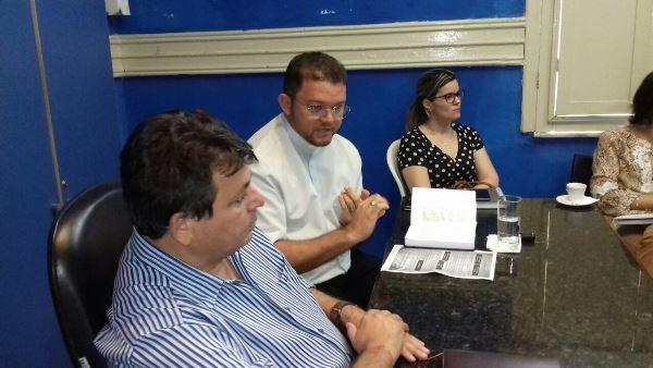 Reunião discute organização da procissão de São Sebastião (Fotos: Cosme Souza)