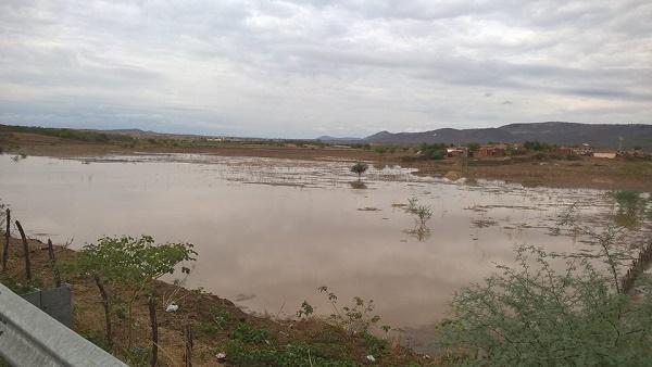 Resultado de imagem para Chuva mais de 100mm renova esperanças do homem do campo no município de Major Sales,RN